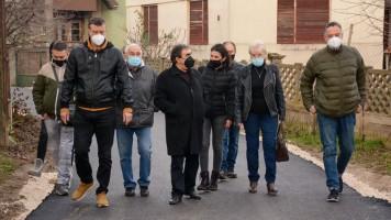 Асфалтирање улица у Грљану: Градоначелник обишао радове
