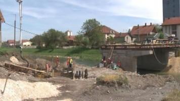 Настављају се радови на мосту у Котлујевцу