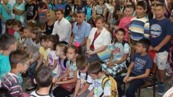 Градоначелник Огњеновић пожелео добродошлицу ђацима првацима