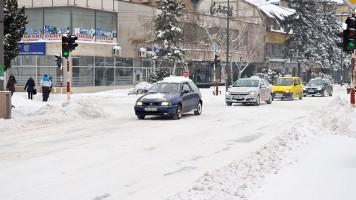 Служба за зимско одржавање чисти снег на територији Зајечара