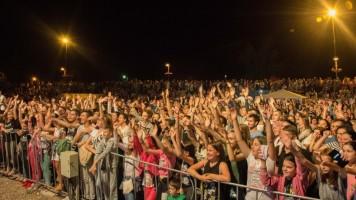 Сања Илић  & Балканика приредили спектакл на Поповој плажи!