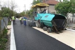 Јадранска улица, асфалтирање - 20.4.2017.