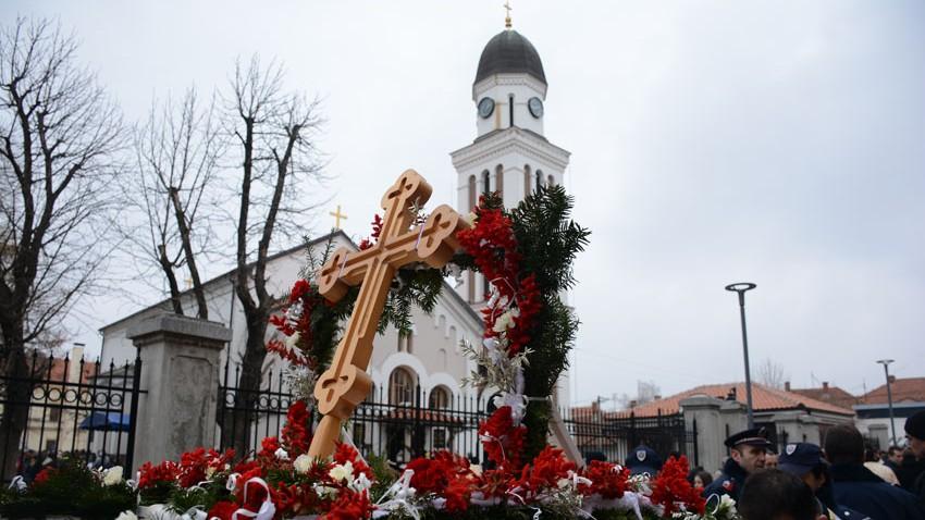 Богојављење у Зајечару: Часни крст припао Ивани Милојковић (35) из Зајечара