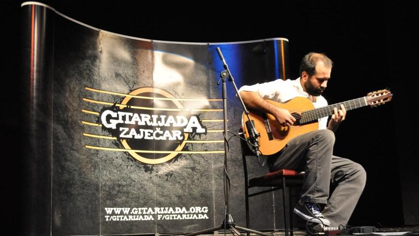 Концерт класичне гитаре, Маркес одушевио публику