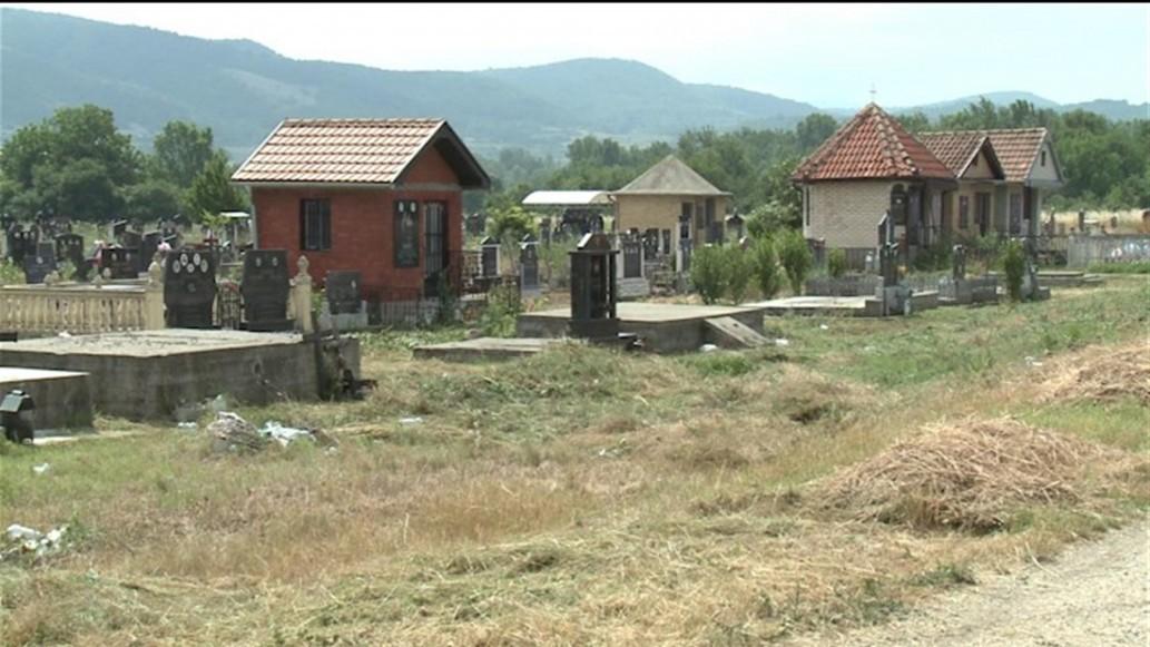 Чисти се гробље у Грљану