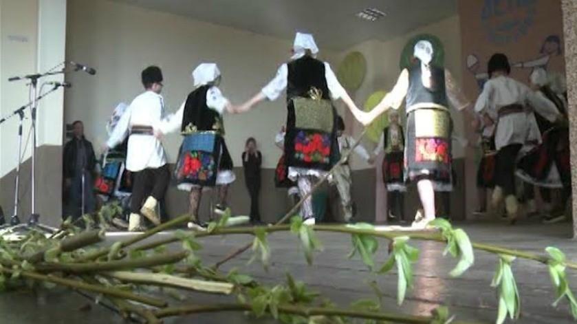 Лазарева субота у знаку дечјих фолклорних ансамбала
