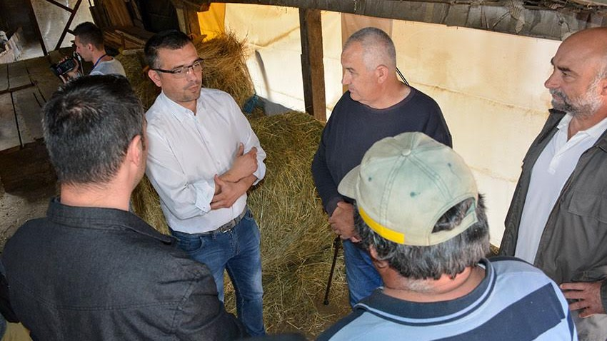 Министар Недимовић у посети газдинству у Гамзиграду