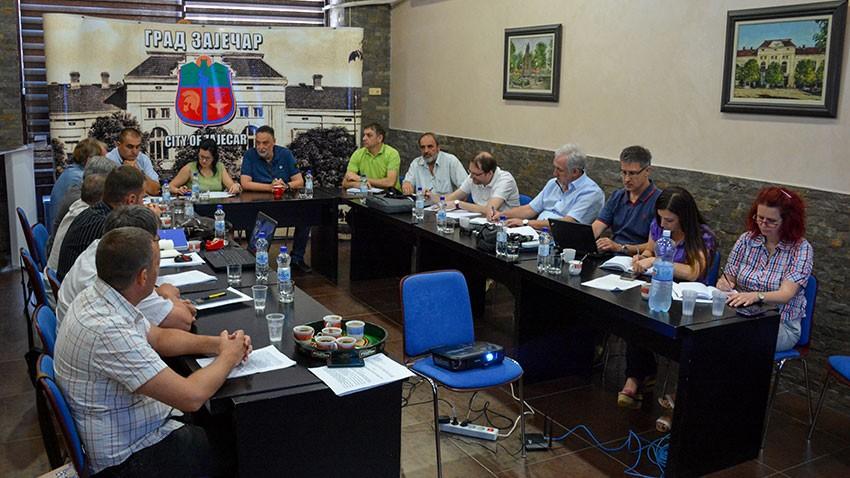 """Радни састанак градоначелника Зајечара са експертским тимом Канцеларије за европске интеграције, представницима """"Србијаводе"""""""