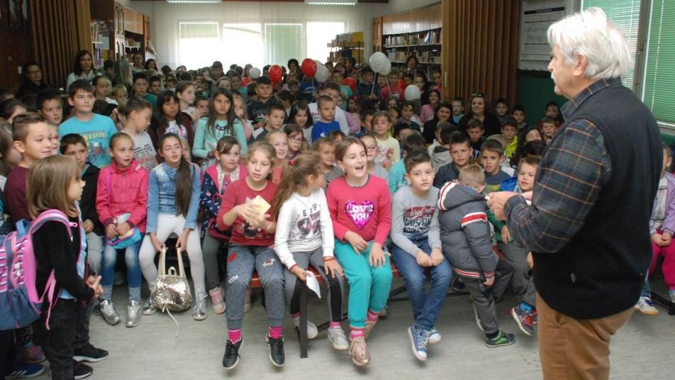 Љубивоје Ршумовић у Зајечару -Деца су украс света