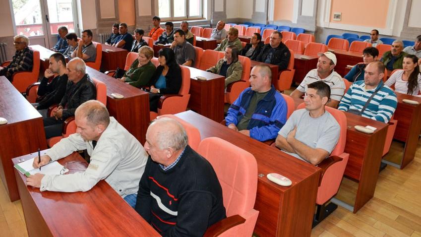 Субвенције за 34 зајечарска сточара –Станковић: Повећати  број уматичених грла на територији града!